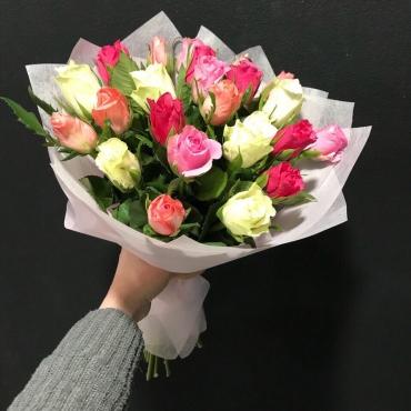 23 мини розы Кения в упаковке