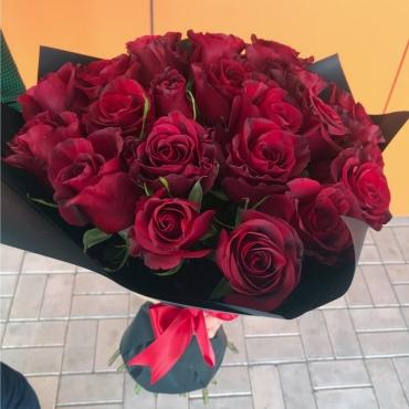 Букет 21 роза «Ред» (микс)