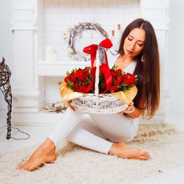 Композиция №5 «Розы в корзине»