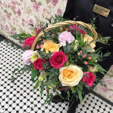 Цветы в корзине «Изабель»