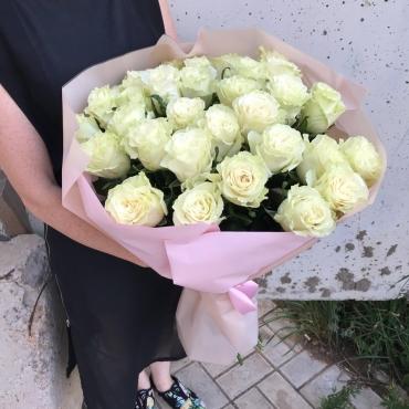 Пышный букет из 31 розы Эквадор