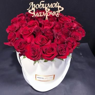 Шляпная коробка с импортными розами